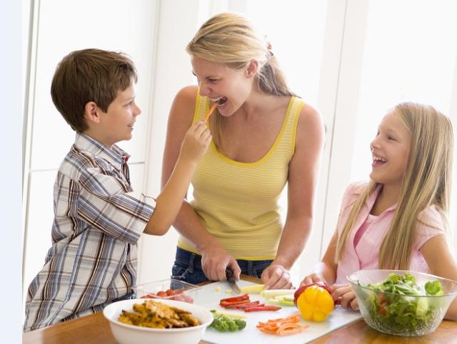 איך לגרום לילדים לאכול פירות וירקות?