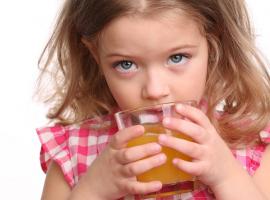 כך תמנעו מהילדים משקאות ממותקים
