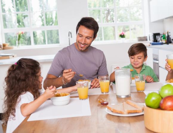 הבוקר בא כל כך מהר - מה נותנים לילדים לאכול כשהם קמים