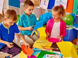 אפשר לבלות גם בבית – 10 רעיונות לפעילויות עם הילדים בבית