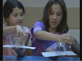 קסמים בבית - איך להפוך כוס עם מים