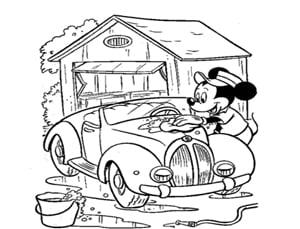 דף יצירה של מיקי מאוס שוטף את הרכב