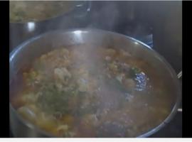 מוטי חן אוחיון עם מתכון מעולה של מרק חרירה מרוקאי
